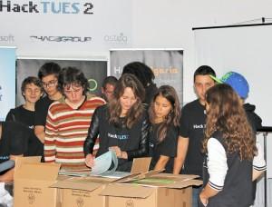 HackTUES2_organizatori-1