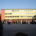 Столичното училище събира пари за вода за Перник